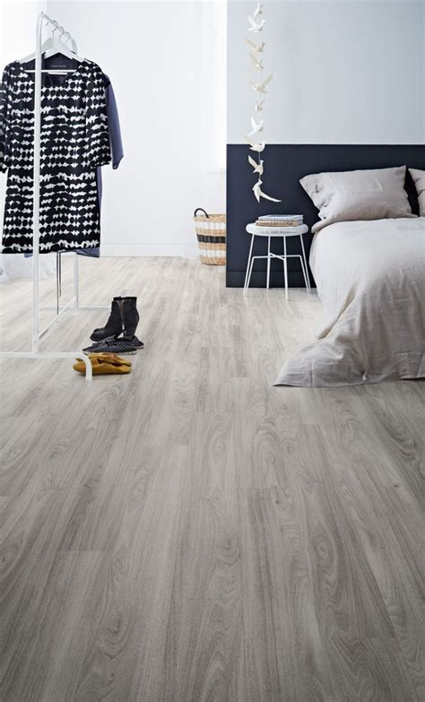 vinyl flooring in bedroom 29 vinyl flooring ideas with pros and cons digsdigs