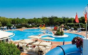 10 campings avec parcs aquatiques l39officiel des vacances With village vacances avec piscine couverte 14 les parcs aquatiques et les piscines dans les campings