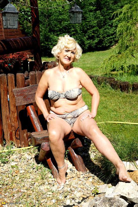 Babe Today Mature Nl Maturenl Model October Outdoor Sex