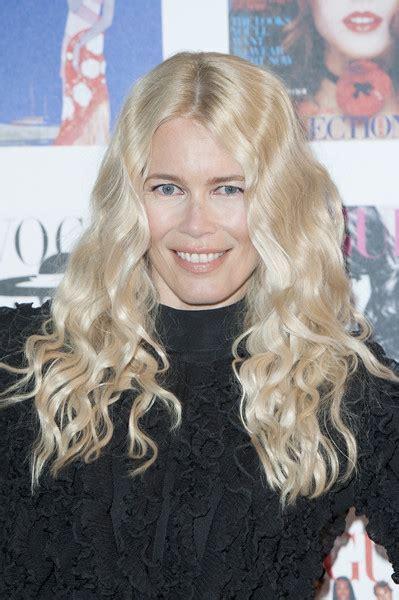 Claudia Schiffer Long Curls   Long Curls Lookbook