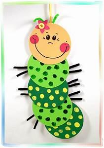 Bastelideen Sommer Kindergarten : fensterbild s e raupe basteln mit kindern zuk nftige projekte pinterest raupe basteln ~ Frokenaadalensverden.com Haus und Dekorationen