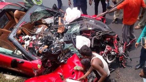 Shibaji roy died of excessive haemorrhage, aashna recovering. Ferrari Crashed In Kolkata: Driver Dead, Passenger Severely Injured - DriveSpark News