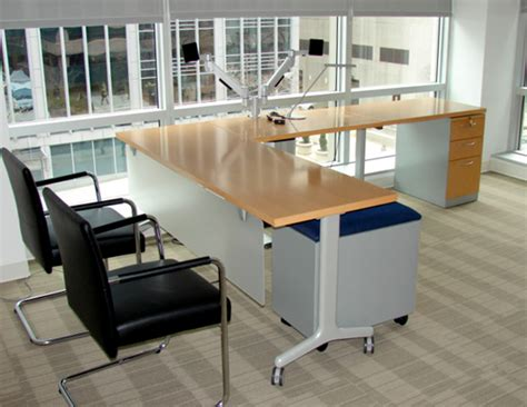 bureau steelcase remanufactured office furniture featuring steelcase and