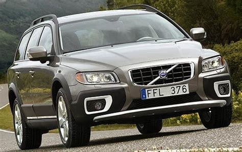 jeep volvo compare jeep compass and volvo xc70 which is better