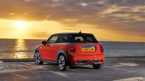 2018 Mini Cooper Facelift Launched In India At Rs 29.70 Lakh