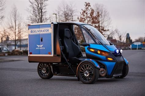 New three-wheel electric vehicle enters the last-mile ...