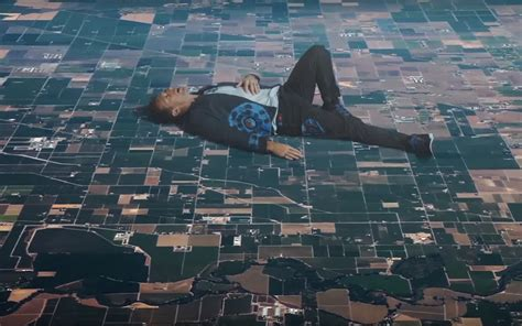 32 Insanely Surreal Wallpapers Coldplay's New Video 'up