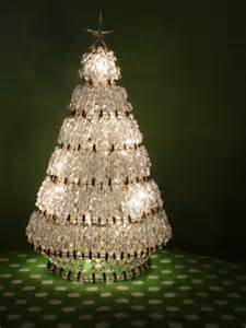 burlap christmas tree 16 tributes to the christmas tree that don 39 t include a tree
