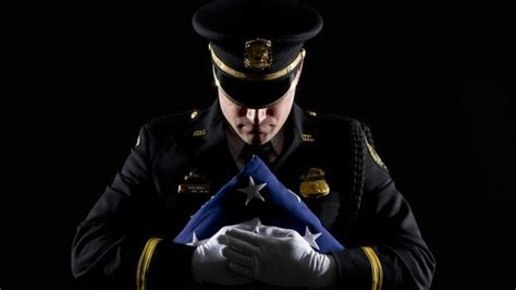 Microsoft Suspends Cops Xbox Live Account For Using A Photo Of An Officer As A Gamerpic Update