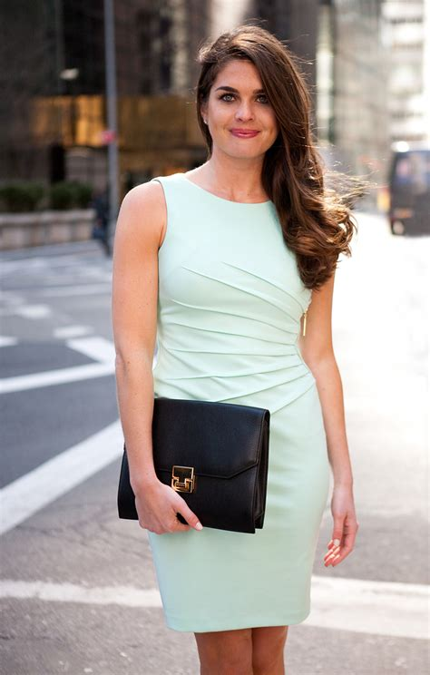 hope hicks swimsuit hope hicks is donald trump s hot caign spokesperson
