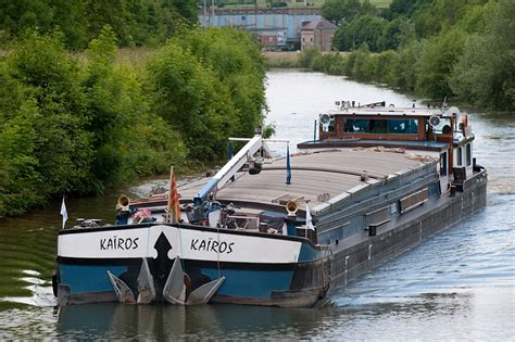 chambre d hotes montagne péniche kairos bateau hote itinérant sur les fleuves d