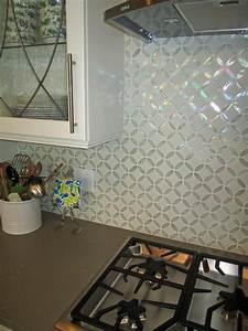 Photos hgtv for Glass backsplash tile