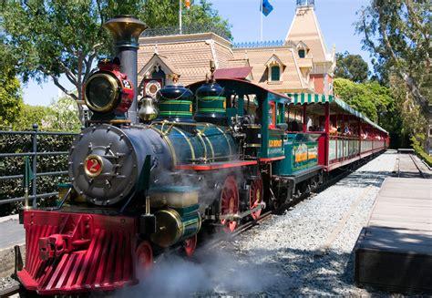 meet  steam engines   disneyland railroad ep