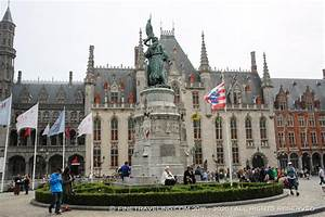 Bruges Markt (Market Square) - Things to do in Bruges ...