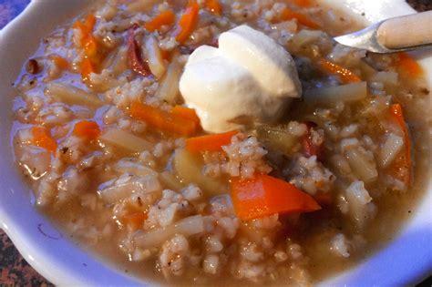 Sātīgā zupa zemnieku gaumē - recepte