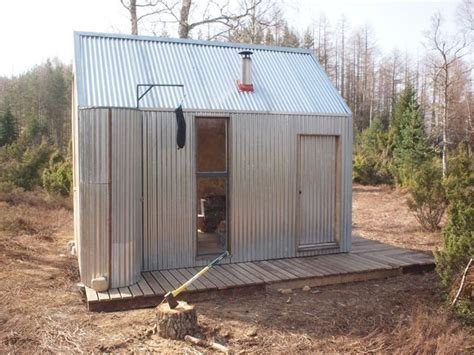 corrugated steel cabin    simple  tasteful  images   jump house