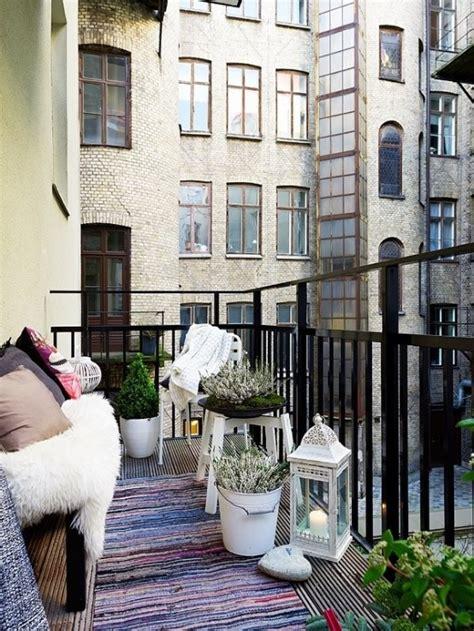 24 Colorful Boho Chic Balcony Décor Ideas - DigsDigs