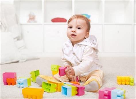 image de bebe de 9 mois