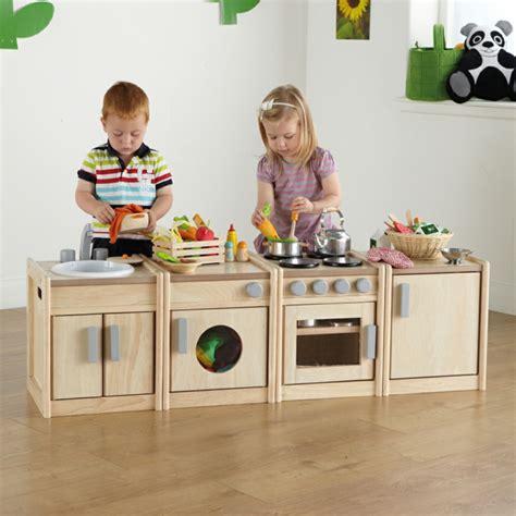 cuisine en bois pour fille jouet en bois idées de cadeau pour un enfant plus heureux