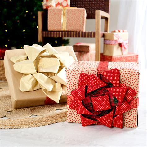 diy fabric christmas bow  homes  gardens