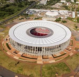 Stadien Brasilien Wm : im dschungel brasilien baut das absurdeste wm stadion der welt welt ~ Markanthonyermac.com Haus und Dekorationen