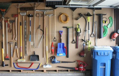 clever ways  declutter  garage
