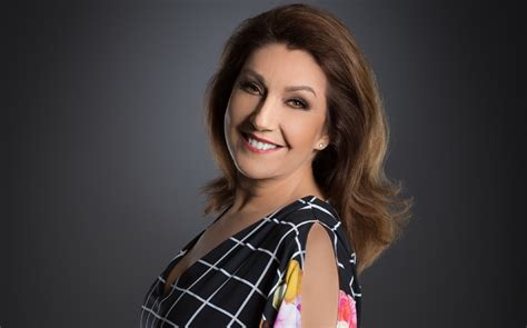 Jane McDonald Net Worth: 5 Facts You Should Know