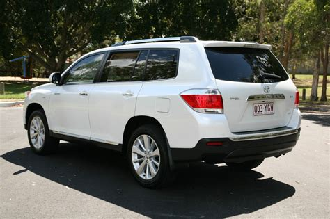 The toyota kluger, known as the toyota highlander in north america, is a crossover suv assembled by toyota under the toyota brand name in its kyūshū, japan assembly plant and its ikeda, osaka, japan assembly plant during 2008 and present. Toyota Kluger 2012 - Find That