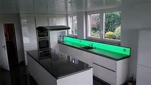 Led Strips Küche : rgb k chenwand moderne dekoleuchte f r ihre k che ~ Buech-reservation.com Haus und Dekorationen