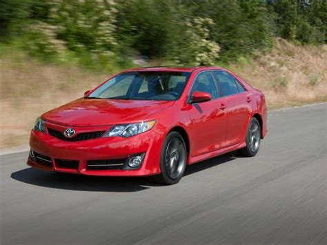 2013 Toyota Camry Road Test & Review