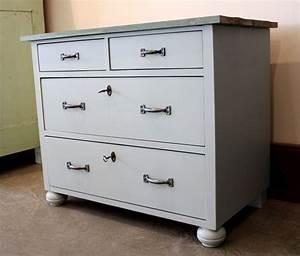Weiße Kommode Vintage : kleine graue kommode flurschrank vintage von stattfein auf ~ Orissabook.com Haus und Dekorationen