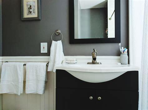 budget decorating ideas   guest bathroom