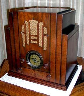 kitchen hutch cabinet 1510 best images about wood radios on vintage 1809