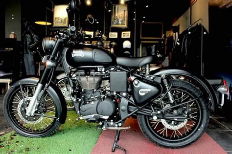 Royal Enfield Bullet 500 Efi 4k Wallpapers by Royal Enfield Classic 500 Stealth Black In Images