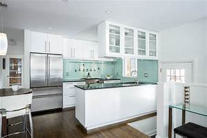 Ultra Modern Kitchen Design With Awesome Colour