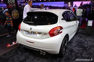 Peugeot 208 Blanche : les nouveaut s du stand peugeot au mondial de l 39 auto ~ Gottalentnigeria.com Avis de Voitures