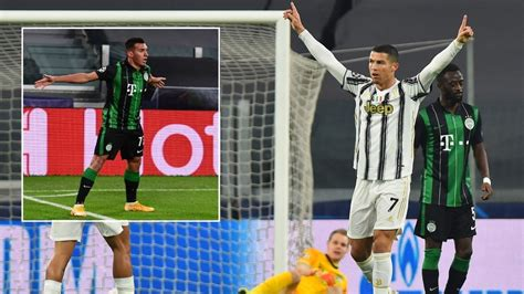 Cristiano Ronaldo equals Messi Champions League record ...