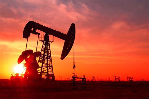oil stocks  buy   crude  turned bullish