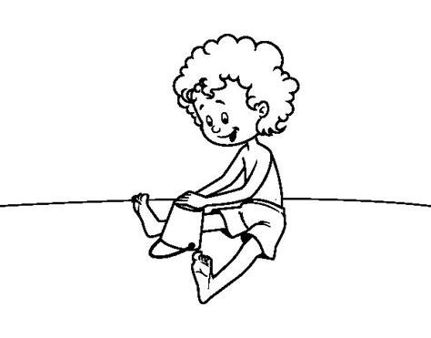 disegni di bambini che giocano al mare disegno di bambini che giocano nella sabbia da colorare