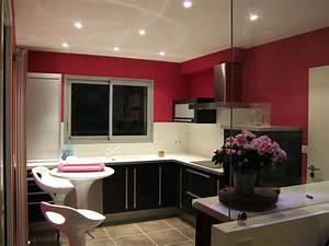 Couleurs murs cuisine meilleures images d39inspiration for Maison grise et blanche 8 cuisine rouge mur couleur chaios