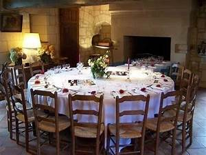 Table Ronde 10 Personnes : meubl n 37g17761 candes st martin dans pays de chinon la touraine ~ Teatrodelosmanantiales.com Idées de Décoration