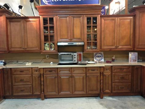 photos of kitchen cabinets designs kitchen cabinet at the kbis 2013 chestnut pillow 7425
