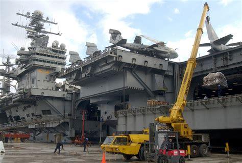 Portaerei Nimitz by The Us Navy Usn Nimitz Class Aircraft Carrier Uss