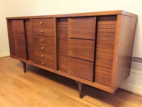 johnson carper 9 drawer dresser mid century modern 9 drawer dresser by johnson carper epoch