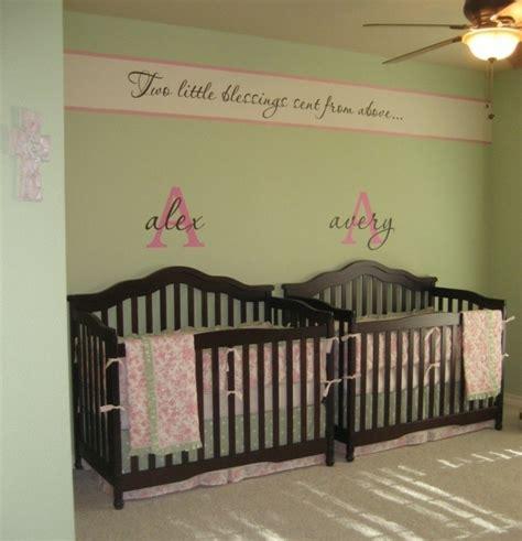 chambre lit jumeau la peinture chambre bébé 70 idées sympas
