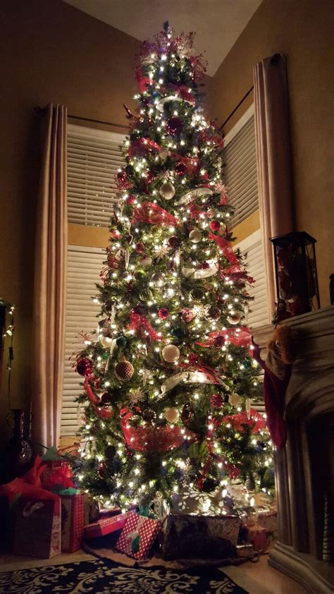 12 foot majestic christmas tree 1000 ideas about 12 ft tree on trees mesh garland and mesh