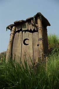 Shrek Characters Shrek 39 S Outhouse 113 365 Deagles Net A New Universal