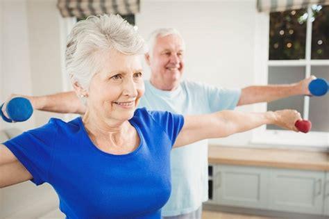 10 Safe Shoulder Exercises For Elderly And Seniors (videos