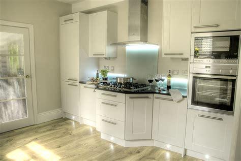 Hip Modern Kitchen Furniture Ideas With White Shaker