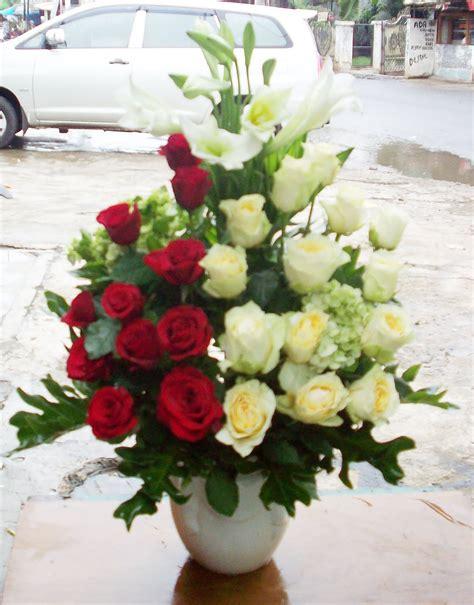 contoh gambar rangkaian bunga jual rangkaian bunga meja